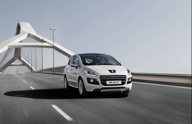 Híbrido diésel y 200 CV: Peugeot 3008 hybrid4
