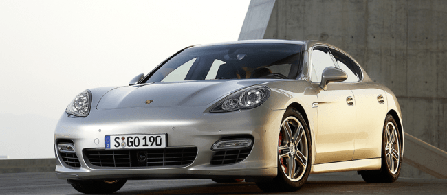 El Porsche Panamera Turbo recibe el «Value Champion 2012»