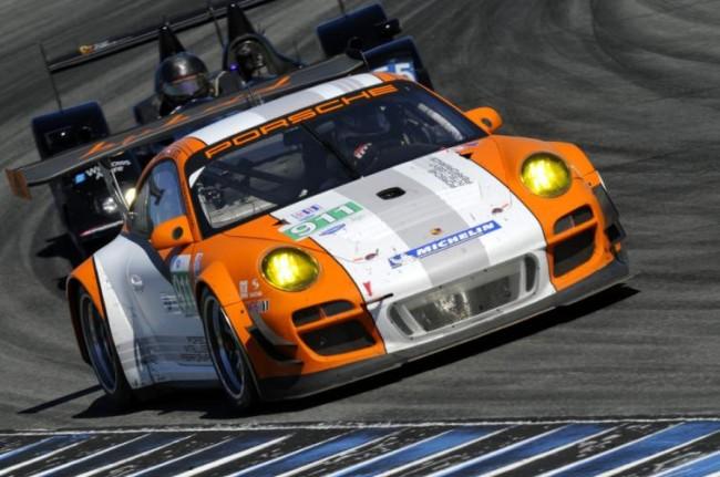 El 911 GT3 R Hybrid preparado para quemar rueda