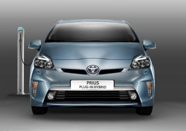 El Prius Híbrido Eléctrico Enchufable a examen