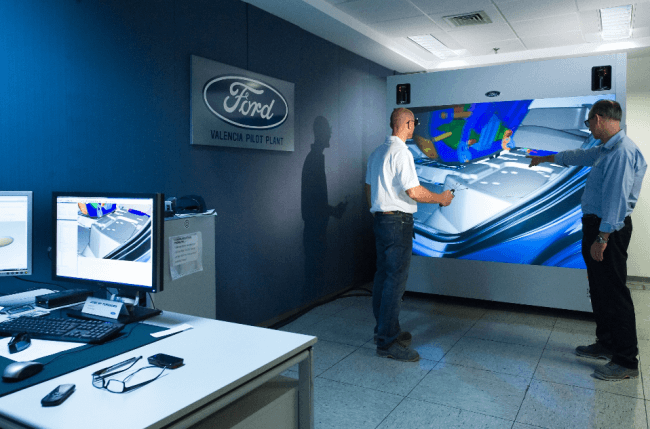 Ford integra la realidad virtual 3D en Almussafes