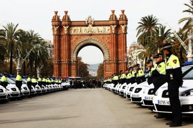 La Guardia Urbana de Barcelona se pasea en Seat
