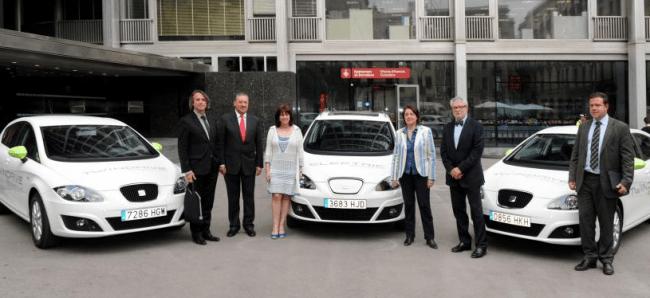Seat entrega varios vehículos al Ayuntamiento de Barcelona