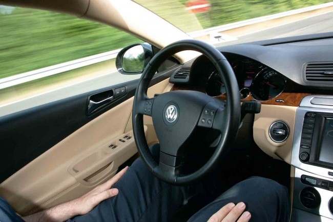 Mira mamá sin manos: Temporary Auto Pilot por Volkswagen