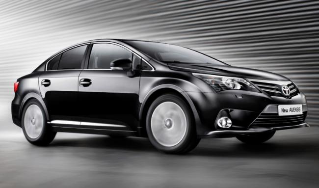El nuevo Toyota Avensis se prepara con fuerza